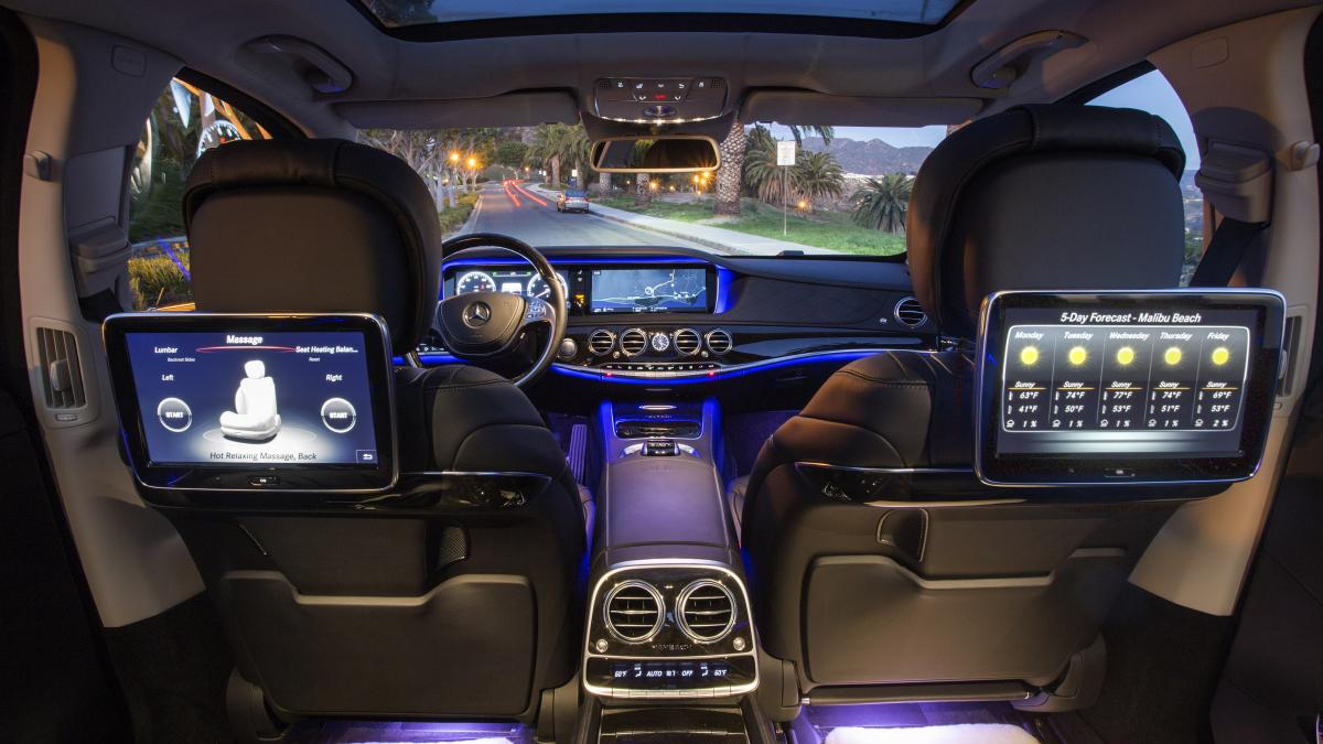 Multimedia-Maybach-Rear-seat-Entertainment-